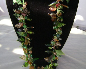 Forestful of Green Profusion Style Necklace and Earrings Set