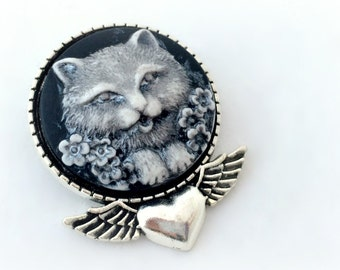 Cat lovers brooch pendant, cat cameo necklace, cute gift