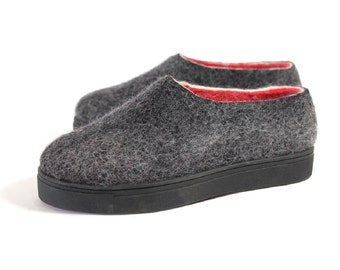 Felt Shoes, Black Red, Wool Shoes, Gripp Soles, Travel Shoes, Handmade Shoes, Eco Friendly Wool Boots, Felt Boots, Valenki Boots Winter Gift
