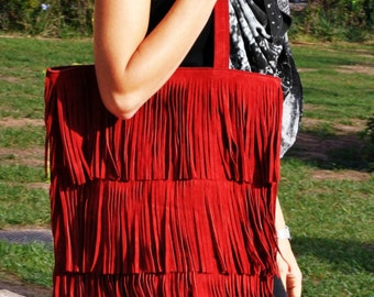 Suede leather tote, with fringes, in dark red