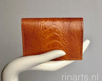 Card holder / wallet in tan genuine ostrich (leg) leather and dark purple  suede lining. Gift for woman and men