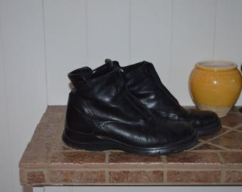 50% SPRING SALE! Booties lined black 80' 38