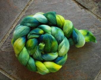 Seaglass, 4 oz of hand dyed merino roving
