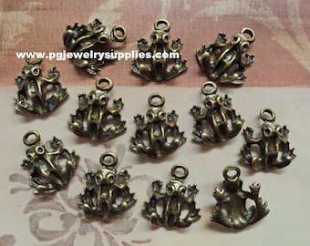 Bronze plated Frogs frog charms 12 pc lot l