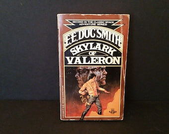 Vintage Skylark of Valeron by EE Doc Smith 1980 Scifi Paperback