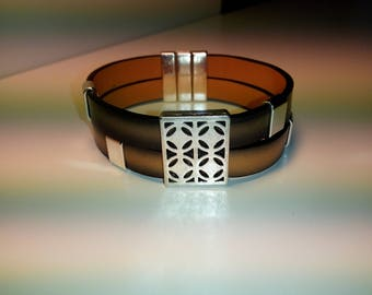 Men's brown leather with loop pattern vintage and magnetic clasp bracelet