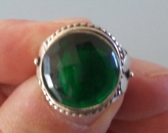 Lovely Chrome Diopside 6 carat sterling silver Ring, size 7.5