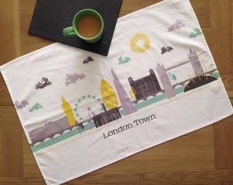 London Skyline / Tea Towel / Gifts For Travelers / Fathers Day Gift / Gift For Him / Travel Gift / London Gift / Retro London / Retro Style