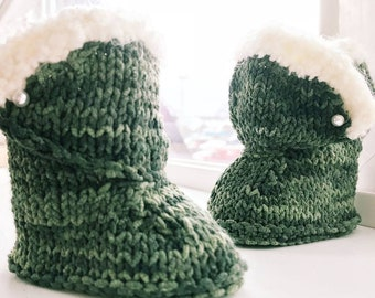 Ugg-Dorable Knitted Suede Baby Booties with Fur