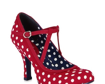 High-heeled shoes with polka dots, fabric and bracelet-lined