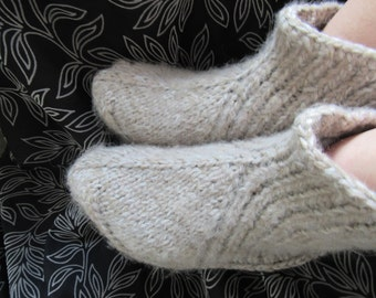 Beige hand knit mohair socks,slippers very thick,warm,soft,fluffy UK 4-11,EU 35-46,US 5-12.Kozizake.