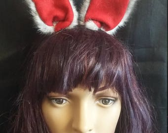 Pointy gray cat ears with red inner ear