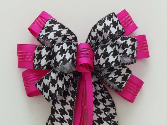 Pink Black Houndstooth Wreath Bow Hot Pink Black Houndstooth Wreath Bow Pink Black Wedding Church Aisle Bow Fuchsia black Pew Bow Gift Bow