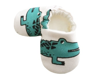 Baby fabric shoes Baby Moccasins Green shoes Crib shoes Crocodiles New baby gift Baby feet Custom sole 0-2yrs Non slip Girls Boys Soft sole