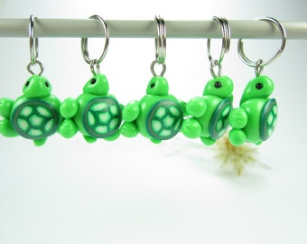 Mini Green Turtle Stitch Markers Set of 5 knit knitting stitch markers polymer clay animal, gift for knitters, turtle charms, turtles, green