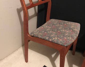 PAIR Mid-Century Modern Danish D-Scan Dining Chairs