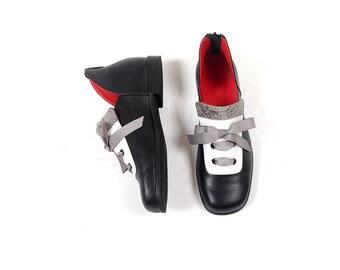 Black Woman's Shoes, Vintage Shoes, Flat Woman Shoes, Black and White Shoes, Zipper  Woman's Shoes, Oxfords Woman's Shoes
