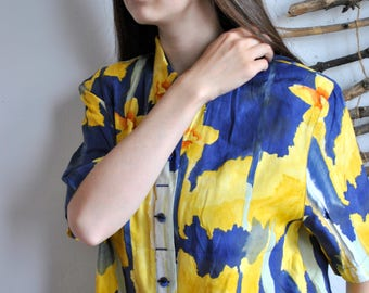 Abstract print summer shirt 1990s 1980s vintage womens blue yellow blouse