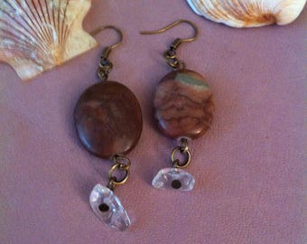 1 pair of earrings hanging zebra stone and acrylic