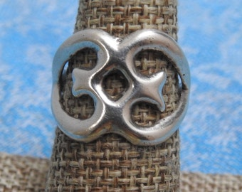 stunning vintage old pawn sand cast sterling silver ring  size 7 3/4