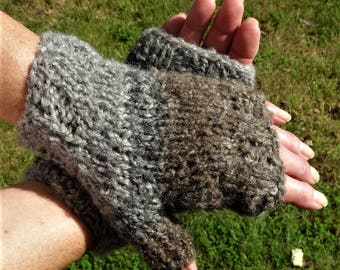 Fingerless Gloves Ladies' Bulky Hand Knit Gray Brown Acrylic, Wool, Polyester Fingerless Gloves Hand Warmers Bulky Gloves With No Fingers