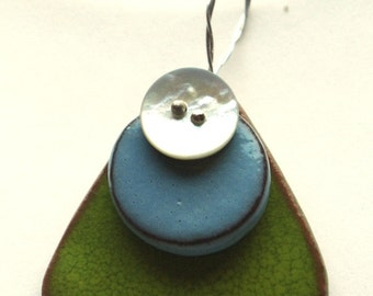 Green ceramic NECKLACE and celestial and mother of Pearl shell buttons