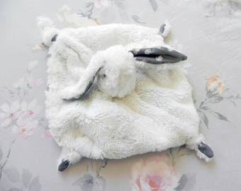 Rabbit baby comforter lined with grey fabric