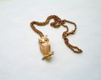 Cool vintage genuine copper owl figural pendant necklace