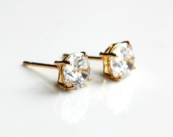 9ct Gold Cubic Zirconia Stud Earrings - 9ct Gold Diamond Earrings - Yellow Gold Round Stud Earrings 6mm - FREE TRACKING B51