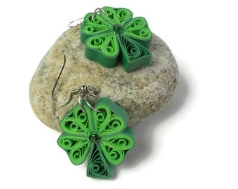 Four leaf clover earrings - St Patricks earrings - Quilling jewelry - Clover earrings - St Patricks day jewelry - Green quilling earrings