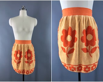 Vintage 1960s Apron / 60s Half Apron / Terry Cloth Towel Apron / Orange Mod Floral Print / Kitchen Cooking Apron