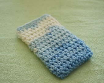 iPhone SE sleeve; iPhone 5/5S case; crochet sleeve; white-blue yarn