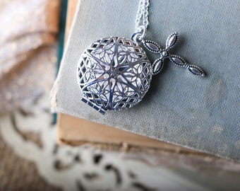 Filigree Locket Difuser Diffuser Necklace With Cross Charm
