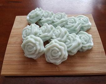 Rose soy melting wax, peppermint, lemongrass, aloe, lavender