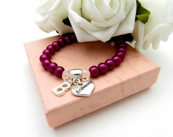 Personalized Burgundy Pearl Beaded Bracelet, Bridesmaid Gift, Bridesmaid Charm Bracelet, Pearl Stretch Bracelet, Bridal Gift, Bridal jewelry