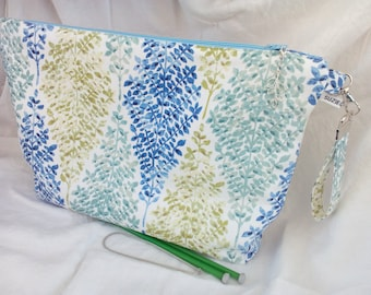 Large project bag for knitting or crochet