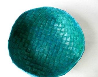 Basket woven plaited paper green blue danish