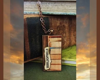 BIBLIOPHILE Stack of Books Pendant Necklace