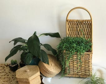 Bamboo Rattan Wicker Wall Pocket Basket Large | Wicker Wall Planter | Jungalow | Boho Wall Hangings | Wicker Boxed Wall Planter