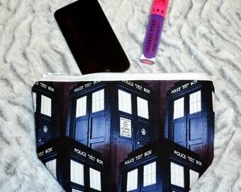 Doctor Who Makeup Bag - TARDIS Zipper Bag