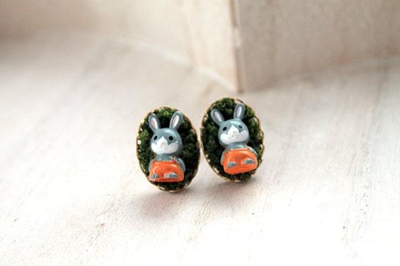Bunnies  in moss Kawaii earrings posts cute animal rabbit