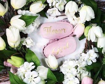 Monogrammed Baby Moccasins - - Flower Girl Gift // FlowerGirl \\ Wedding Party