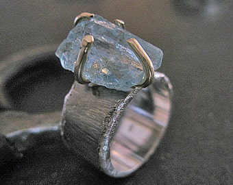 Size 6 3/4 Aquamarine Ring Raw Gemstone Ring Rough Aquamarine  18K Gold Rough Aquamarine Raw Aquamarine Rustic Ring Blue Gemstone Ring Wide