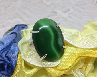 Handcrafted Sterling Ring with 25 x 18mm Cats Eye