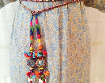 Ethnic fine belt with mirrors, shells and fringes. Boho Belt. Conturón hippie. Tribal belt. Fine Conturón.