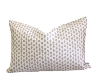 Geometric Elongated Dots Pattern Pillow Cover Taupe