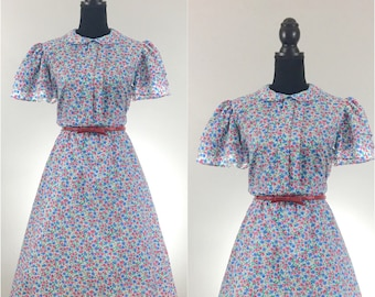 Floral Vintage Dress, Pleated Dress, VLV Dress, Dapper Day Dress, Dress With Pockets, 1960's Secretary Dress, Vintage Size Medium, Tea Dress