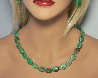 Emerald Green Turquoise Hand Cut Flat Ovals Beaded Single Strand Necklace