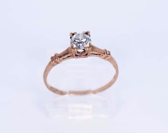 10K Yellow Gold White Sapphire Ring, size 7.25