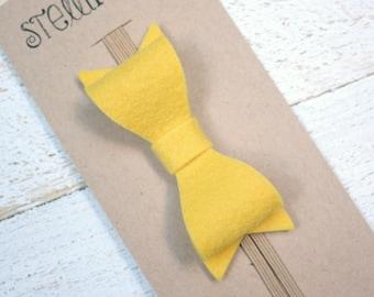 Yellow hair bow for baby, Fall Baby bow elastic headband, Mustard hair bow, Felt bow headband, newborn hair bow, newborn Fall photo prop